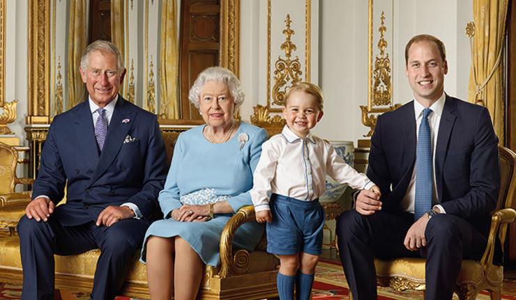 Regina-Elisabetta---4-generazioni-in-una-foto--x-web